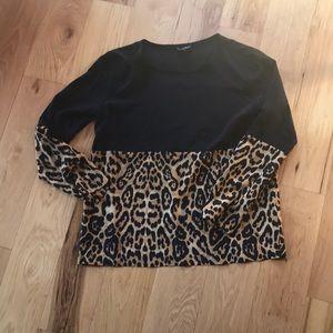 Leopard and black color block blouse🌺